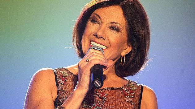 Zpěvačka Marie Rottrová vyjádřila podporu Jiřímu Drahošovi.