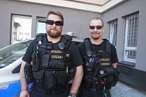 Vítězná hlídka ve složení (zleva) Martin Matoušek a Radan Hradecký jsou policisté z pohotovostně eskortního oddělení oboru služby pořádkové policie Krajského ředitelství policie kraje Vysočina.