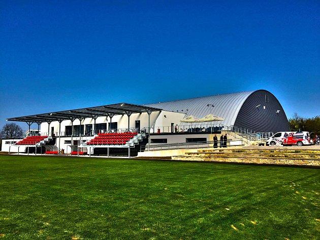 Nový zimní stadion vTelči