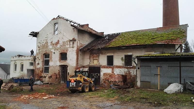 Takhle vypadala budova bývalého lihovaru na začátku rekonstrukce.