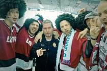V Sazka Areně se čeští fanoušci hodně družili s těmi lotyšskými.
