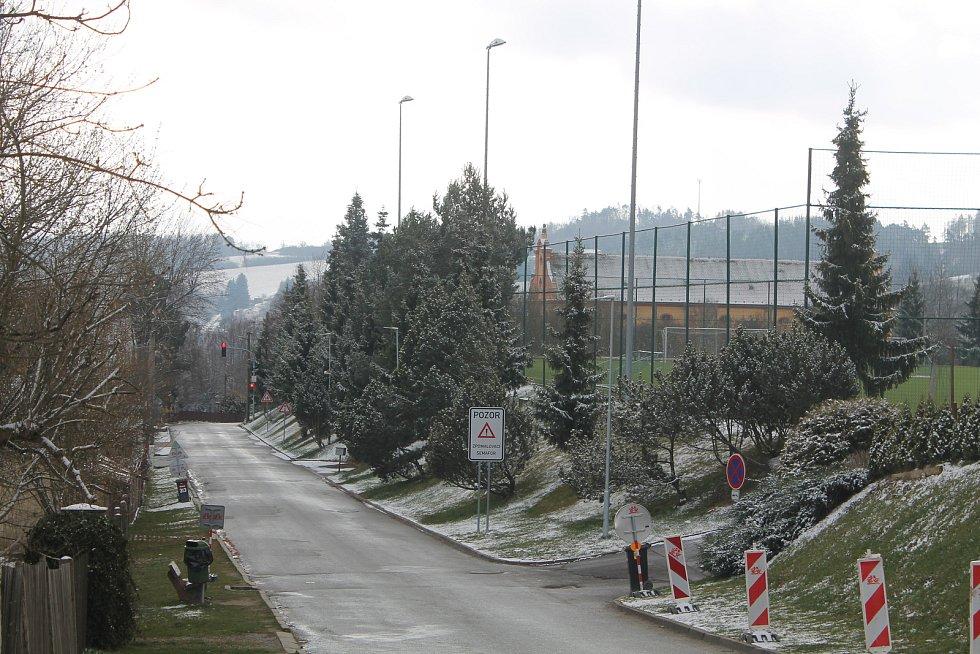 Sníh u Luk nad Jihlavou.