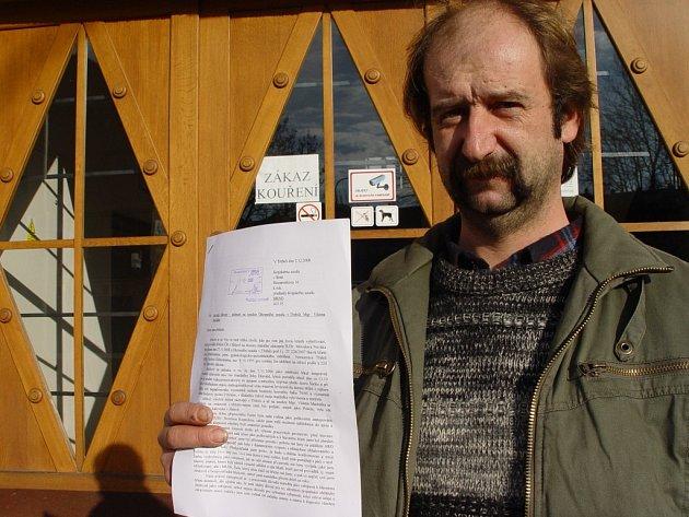 Osmatřicetiletý Jaroslav Hlavatý je zklamán přístupem justice. Nechce za každou cenu trest pro lékaře, ale žádá úctu. Proto podal stížnost na soudce.