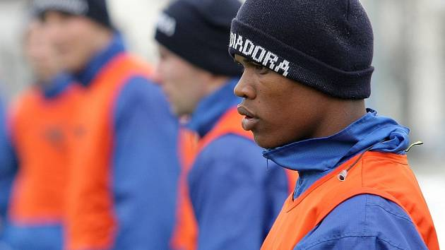 Na prvním letošním tréninku druholigových fotbalistů Jihlavy se objevili dva brazilští hráči. Gabriel (na snímku) a Nilvinho přišli do týmu trenéra Karola Marka na měsíční zkoušku.