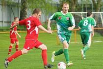 Další ztráta. Fotbalisté Rantířova (v zelených dresech) doma nezvládli zápas s Vladislaví, které podlehli 0:3.