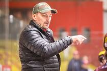 Trenér Jihlavy Viktor Ujčík.