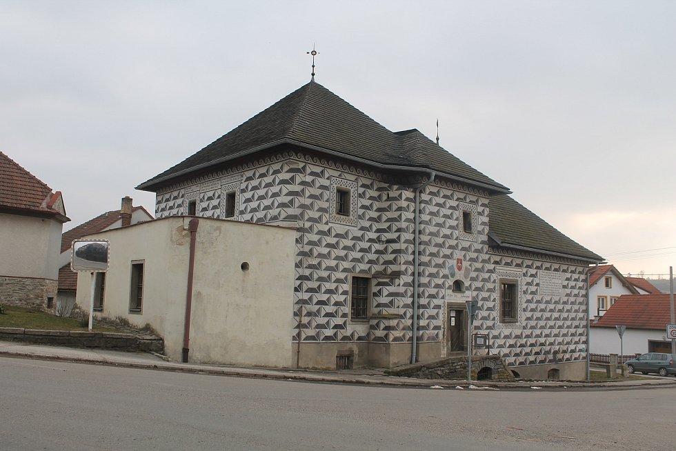 Tvrz je jedna z nejstarších památek v městysi.