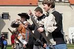 Na slavnosti v Telči si můžete vyzkoušet střelbu z muškety.