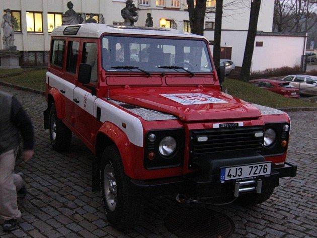Po čtyřiceti letech mají dobrovolní hasiči z Pístova nové auto.