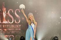 Finále soutěže Miss ČR 2020 bylo pro Simonu Šimkovou úspěšné - získala dvě korunky.