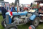 V Třeštici se konal oblíbený sraz traktorů Zetor. K vidění bylo přes sto Zetorů.