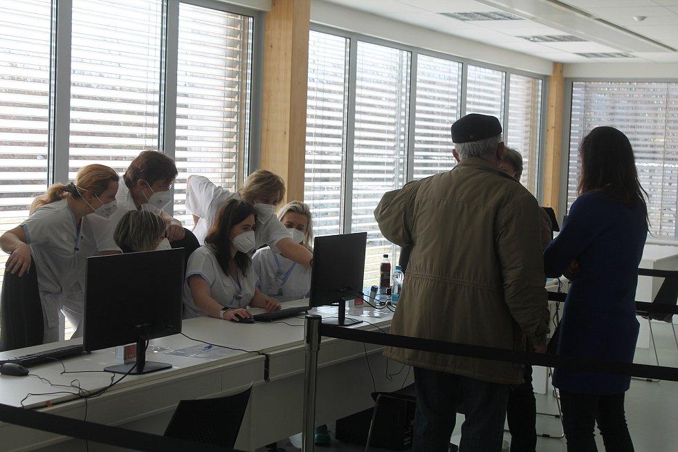 V pátek 12. března začalo očkování v jihlavském Vědeckotechnickém parku.