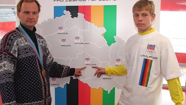 Představitelé některých obcí míní, že daňová diskriminace má souvislost s plánem uspořádat v Praze a dalších městech republiky včetně Jihlavy olympijské hry. Mnozí starostové to však považují za zavádějící.