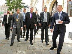 Odpoledne předstoupil prezident před jihlavské občany na Masarykově náměstí.