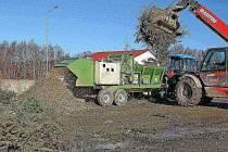 Letos se všechny vánoční stromky sešrotují a skončí vkompostárně v Henčově.