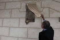 Odhalení pamětní desky Petru z Mladoňovic.