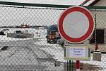 Skládka v Henčově bude kvůli policejnímu vyšetřování několik dní mimo provoz.