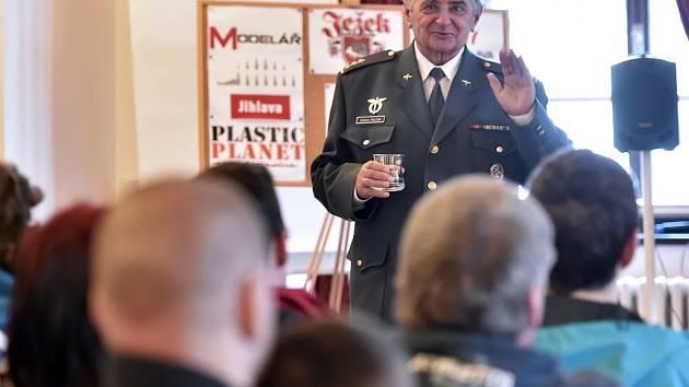 Na 41. ročníku soutěžní výstavy plastikových modelů O Štít města Jihlavy vystoupil 26. března mimo jiné vojenský letec a kosmonaut Oldřich Pelčák.