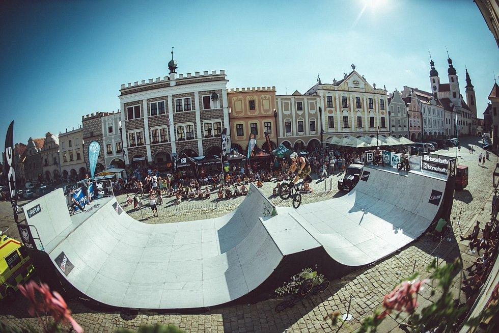 Sportovně-hudební akce s názvem BMXtreme fest se uskuteční už o víkendu 17. až 19. září v telčském Panském dvoře. V minulosti se akce konala na historickém náměstí.