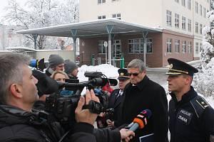 O komentář hejtmanství a záchranných složek k situaci na D1 byl mezi novináři značný zájem.