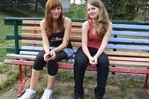Okoukat a poznat se navzájem pomohl studentům prvního ročníku Gymnázia Jihlava premiérový dvoudenní pobyt v chatovém táboře Kalich u Kamenice nad Lipou.