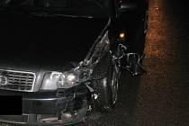Na poslední chvíli si řidička Audi všimla neosvětleného protijedoucího fordu na křižovatce Tři Věžičky na okraji Jihlavy.
