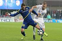 Ani pátý zásah Muriše Mešanoviče (na snímku vlevo v souboji s Janem Baránkem) nezabránil porážce jihlavských fotbalistů od favorizované Plzně. Vysočina v utkání doplatila na velký počet individuálních chyb.