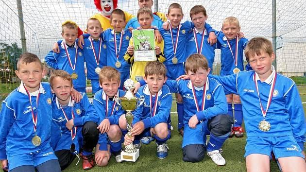 Vítězné družstvo Mc Donald's Cupu jihlavské základní školy E. Rošického.