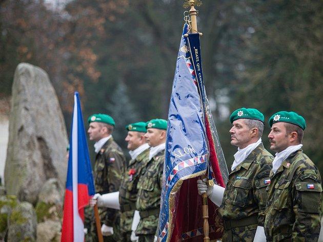 Pietní akt u památníku padlých v Jihlavě.
