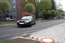 Od pátečního dopoledne mohou řidiči téměř po roce opět projíždět Kollárovou ulicí u hlavního nádraží v Jihlavě.