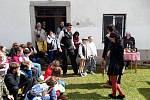 Setkání rodáků a přátel Kostelní Myslové opět zpestřil divadelní soubor KoMyCi.