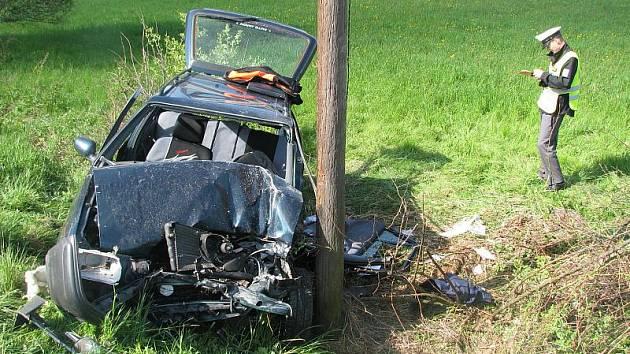 Jedna z nehod, které se neobešly bez obětí na životech, se stala nedaleko Svatého Kříže na frekventované silnici první třídy mezi Havlíčkovým Brodem a Jihlavou.