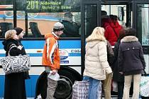 Integrovaný dopravní systém Jihomoravského kraje již několik let kombinuje výhody cestování několika dopravními prostředky na jednu jízdenku.