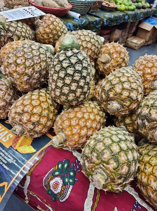 Ovoce a zboží původem z Ugandy. Zajímavé tvary a jídlo, které není běžně v obchodech.