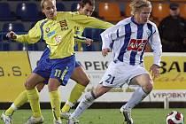Ani v pátek se nepodařilo jihlavským fotbalistům doma vyhrát. Nadšeně bojující Čáslav si odvezla cennou výhru 0:1. Na zápas nebude vzpomínat v dobrém hlavně Pavel Mezlík (s číslem 11), který chybnou přihrávkou zavinil jediný gól zápasu.