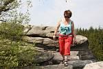 Krásné počasí o velikonočním víkendu přálo turistům i cyklistům. Zamířili proto na hrad Roštejn, k Velkopařezitému rybníku, na Míchovu skálu i ke Studánce Páně.