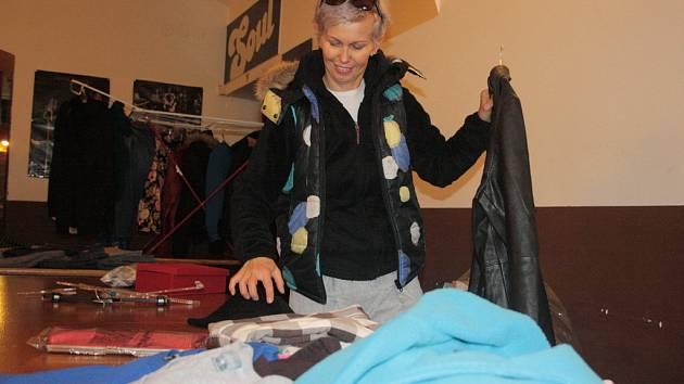 Jarka Rojková (na snímku) v neděli v Soulbazaru prodávala hlavně oblečení, které už nenosí.