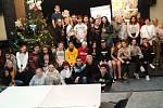 V jihlavském Domě kultury a odborů uspořádala tuto sobotu yourchance o. p. s. další ze série víkendových tematických setkání mládeže z dětských domovů, tentokrát s kouzelnou předvánoční atmosférou.