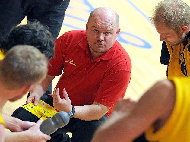 """""""Dovolím si tvrdit, že jsme kádr rozšířili a měli bychom být konkurenceschopní,"""" říká trenér Petr Pešout."""