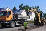Oprava silnice první třídy u Telče je v plném proudu.