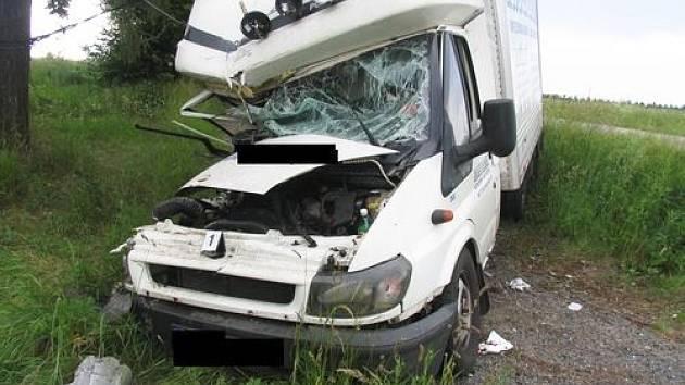 Mikrospánek zavinil nehodu vozu Transit u Markvartic na Jihlavsku.