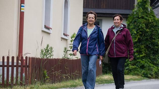 Chůze patří ke zdravému životnímu stylu.