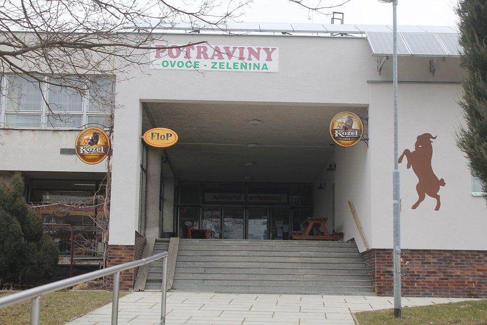 Bývalá budova Prioru - to bylo místo, kam jezdili nakoupovat i lidé z Jihlavy a z Třebíče.