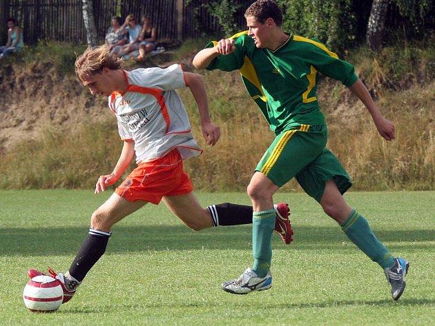 Rozhodlo jaro. Zcela po právu si vyšší soutěž v příští sezony vyzkouší fotbalisté Šebkovic (v zeleném). Naopak Brtnice putuje zpět do okresního přeboru.