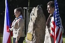 Skauti drží čestnou stráž 21. září 2019 v Polné na Jihlavsku u památníku, který ve stejný den odhalili zástupci Klubu Za historickou Polnou a členové místní samosprávy.
