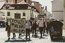Studenti v Jihlavě opět vyrazili do ulic, stávkovali za klima.