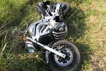 Smrtelná nehoda motocyklisty mezi obcemi Hrotovice a Dukovany na Třebíčsku.