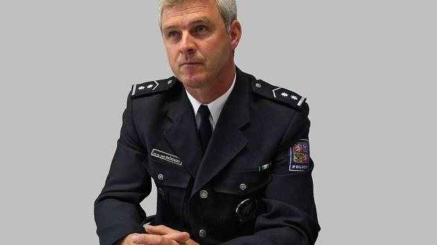 """Na Vysočině by krajská policejní správa měla fungovat od ledna 2010. Jejím """"vybudováním"""" byl pověřen Josef Bačkovský (na snímku), který řídil policejní ředitelství v Jihlavě nebo Havlíčkově Brodě."""