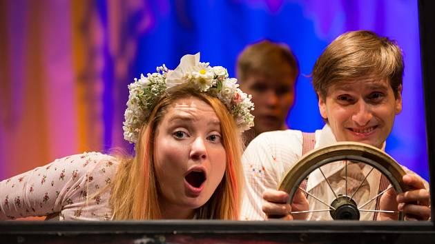 Herci jihlavského Horáckého divadla předvedou hru Autopohádky.