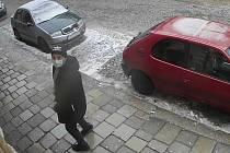 Zatím neznámý muž okradl ženu nedaleko centra Jihlavy.